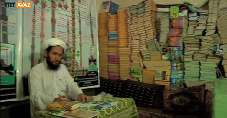 Pakistanlılara Osmanlıyı Anlatan Kitap (video)