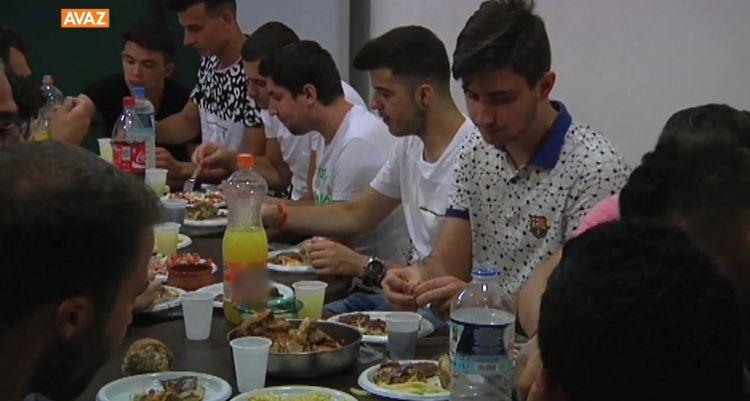 Batı Trakyalı Öğrenciler Atina'da İftarda Buluştu (video)