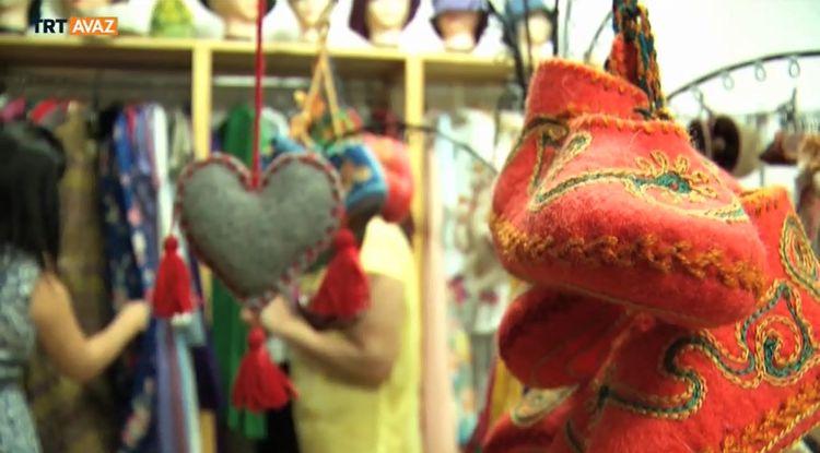 Kırgız Motifleriyle Modern Kıyafetler (video)
