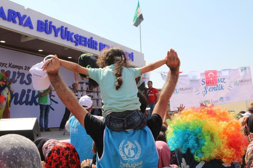 Suriye'nin Savaş Mağduru Çocuklarıyla Dolu Dolu 10 Gün