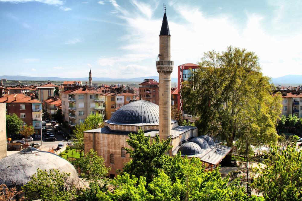 Karaman'ın Huzur Mekânı Mâder-i Mevlana ya da Aktekke Camii