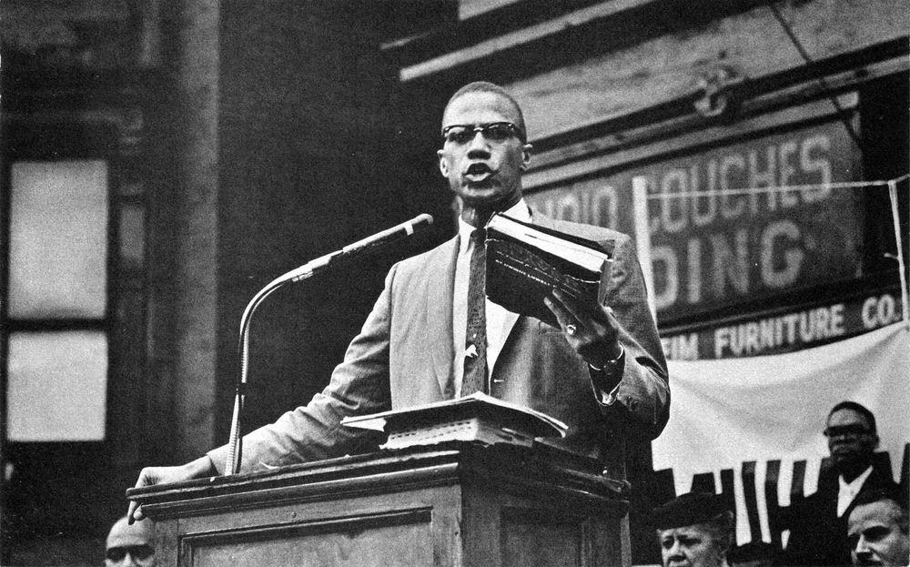 Toplumu Harekete Geçiren Bir Önderdi Malcolm X