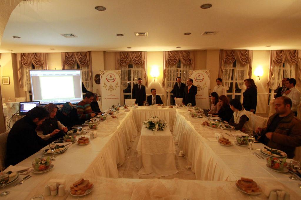 İstanbul Eğitim ve Kültür, Yemek