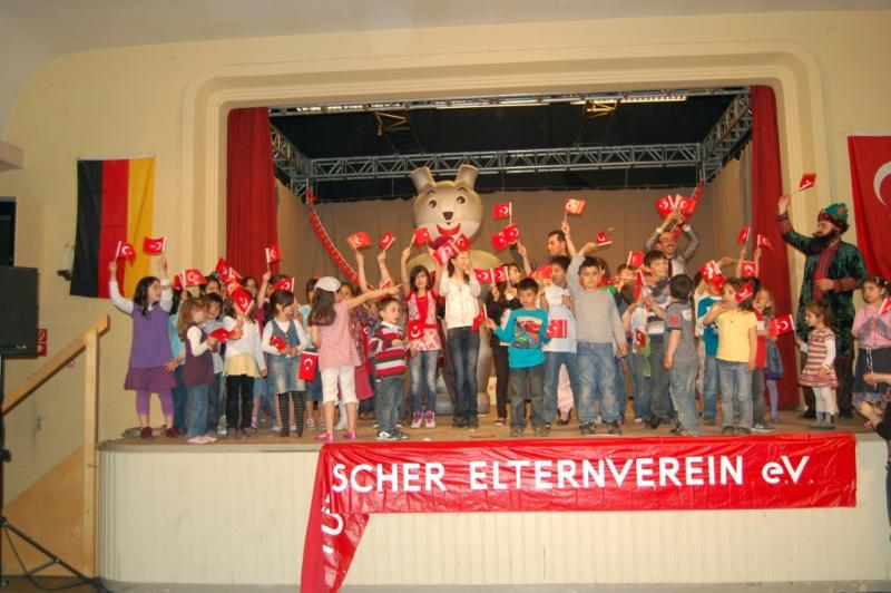 23 Nisan Çocuk Şenlikleri - Leverkusen