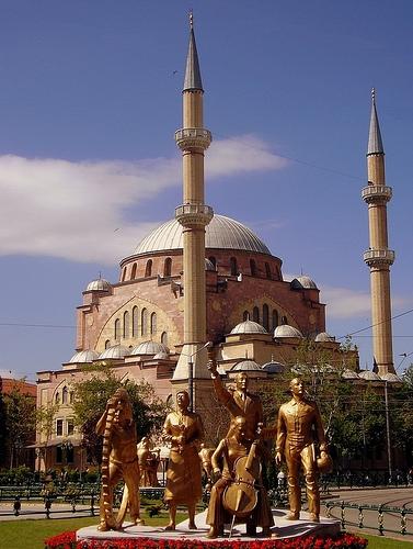 Eski(heykel)şehir