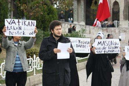 Misyoner abi, Türkan'a sahip çık!