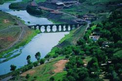 Diyarbakır, on gözlü köprü ve dicle nehri