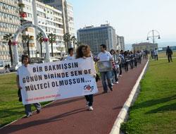 İzmir'de bir duyarlılık yürüyüşü!