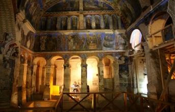 Bin yıllık freskleri Türk ve İtalyan uzmanlar restore ediyor