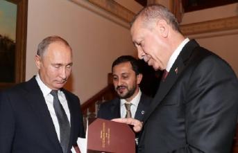 Cumhurbaşkanı Erdoğan Putin'e Alev Alatlı'nın kitaplarını hediye etti