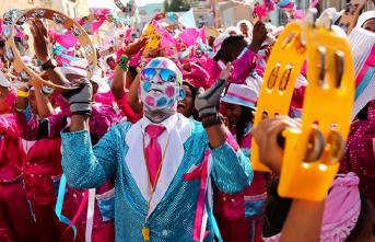 """Cape Town'da kölelerin kutladığı yılbaşı """"Kaapse Klopse"""""""