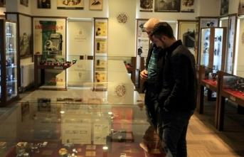 """""""Casus fotoğraf makineleri"""" müzede"""