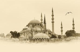 Hangi camilerde Hacerü'l-Esved parçaları var?