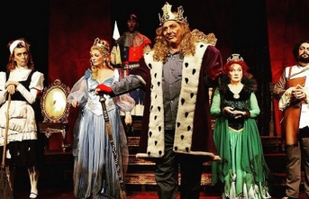 Ölümsüzlüğün peşinde absürt bir komedi: Kral