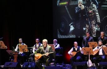 Esat Kabaklı 50. sanat yılını kutladı
