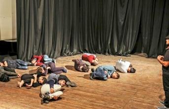 'Kuşatma Altında Filistin' tiyatrosu