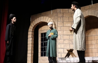 'Şems ile Mevlana' oyunu tiyatroseverlerle buluştu