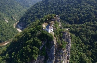 Cuma'dan Cuma'ya cennet kuşlarının namaz kıldığı yer: Kuşlat Camii