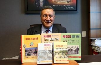 Kitaplarıyla Niğde tarihine ışık tutan milletvekili