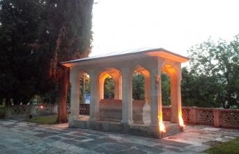 Mevlid müellifi Süleyman Çelebi'nin Bursa'daki mahzun türbesi