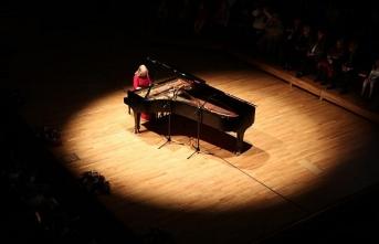 Piyanist İdil Biret Soçi'de konser verecek