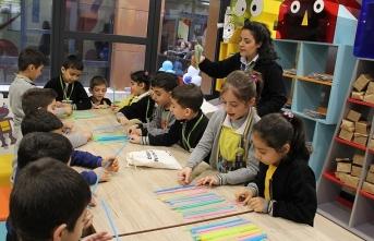 'Uygulamalı Çocuk Kütüphanesi' miniklerin ufkunu açıyor