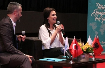 Usta oyuncu Perihan Savaş Arnavutluk'taki sinemaseverlerle buluştu