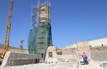 612 yıllık minare yeni yerinde yükseliyor