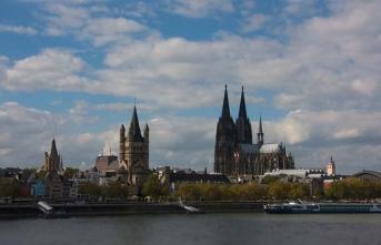 Ramazan Kitap ve Kültür Fuarı Köln'de kapılarını kitapseverlere açtı