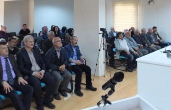 """TYB Konya'da; """"Fizikte Paradigma Değişiminin Bilim Felsefesine Etkileri"""" Konuşuldu"""