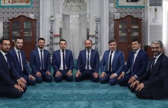 Musiki gönüllüsü din görevlilerinden ilahi albümü