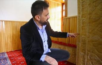 Tarihi mescidin 'figürlü' mihrabı dikkati çekiyor