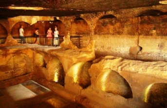 Mardin'de sergilenen bin 500 yıllık toplu mezarlık