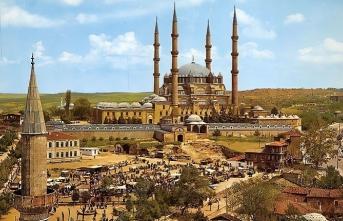 Mimar Sinan, Selimiye'nin bahçesine 200 bin gül getirtmişti