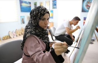 Suriyeli ressam savaşın acılarını yağlı boya resimleriyle anlatıyor