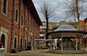 1302 yıllık kadim Arap Camii etrafında dönen entrikalar