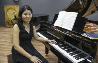 Güney Koreli piyanist kariyerini Türkiye'de çiziyor