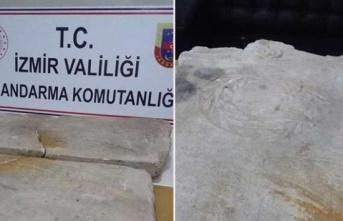 İzmir'de yaklaşık iki bin yıllık olduğu sanılan iki kitabe bulundu