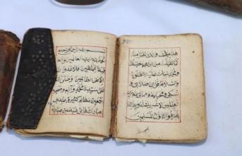 Muğla'nın Yatağan ilçesinde, 1000 yıllık el yazması Kur'an bulundu