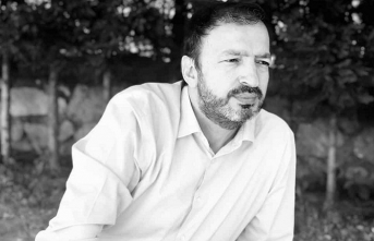 Mustafa Uçurum'un 'Deneme Çekimi' devam ediyor
