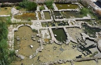 Roma hamamı kalıntısındaki suyun tahliyesi yapılamıyor