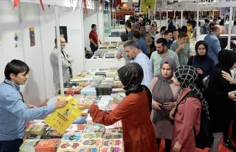 '5. Sultanbeyli Kitap Fuarı' başladı