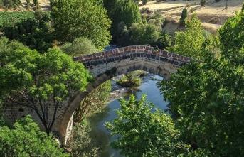 Anadolu'nun tarihin izlerini taşıyan asırlık köprüleri