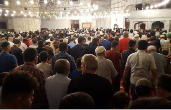 Babalar ve oğullar camide buluştu