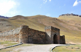 Kırgızistan'ın doğusunda gizemli kervansaray: Taş Rabat