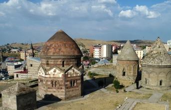 Türk tarihinin paha biçilmez hazineleri: Kümbet ve türbeler