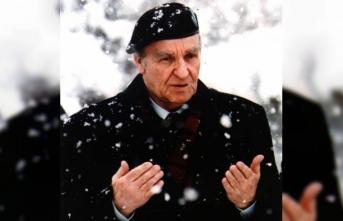 Aliya İzzetbegoviç: Doğu-Batı arasında kendi olan bir lider