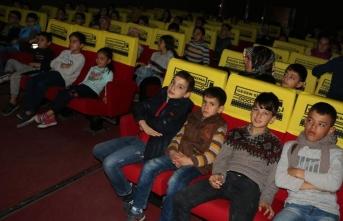 Doğu'da 50 bin öğrenci ilk kez sinema ile buluştu