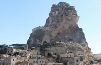 Dünya'nın tek doğal gökdelenine turist akını