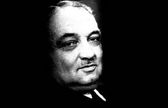 Yahya Kemal'e göre divan şiirinden pürüzsüz, saf mısralar elde etmenin yollarını bulmalıydık